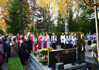 Procesja na cmentarzu komunalnym 2015