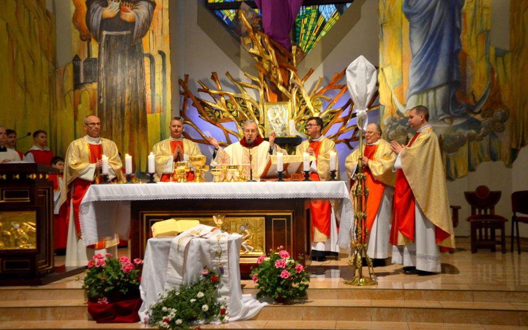 Wielki Czwartek — dzień Eucharystii oraz Kapłaństwa